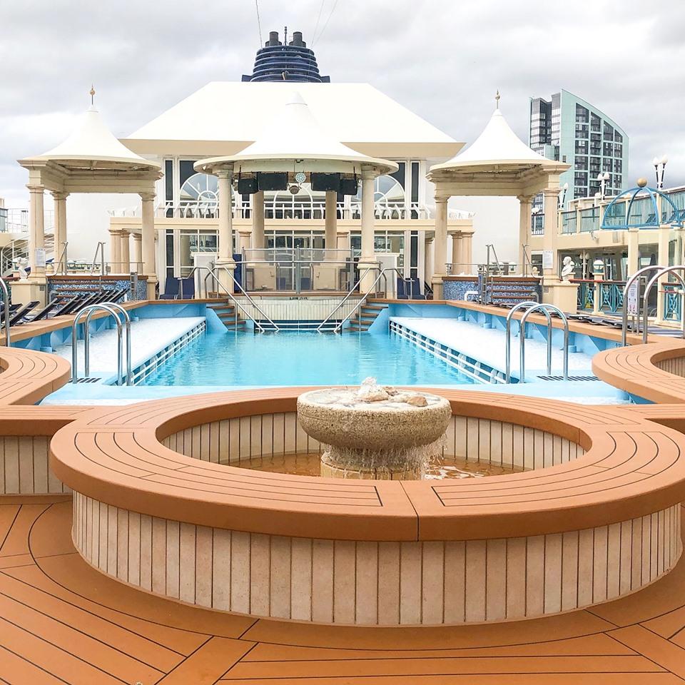 Norwegian Spirit Tivoli Pool