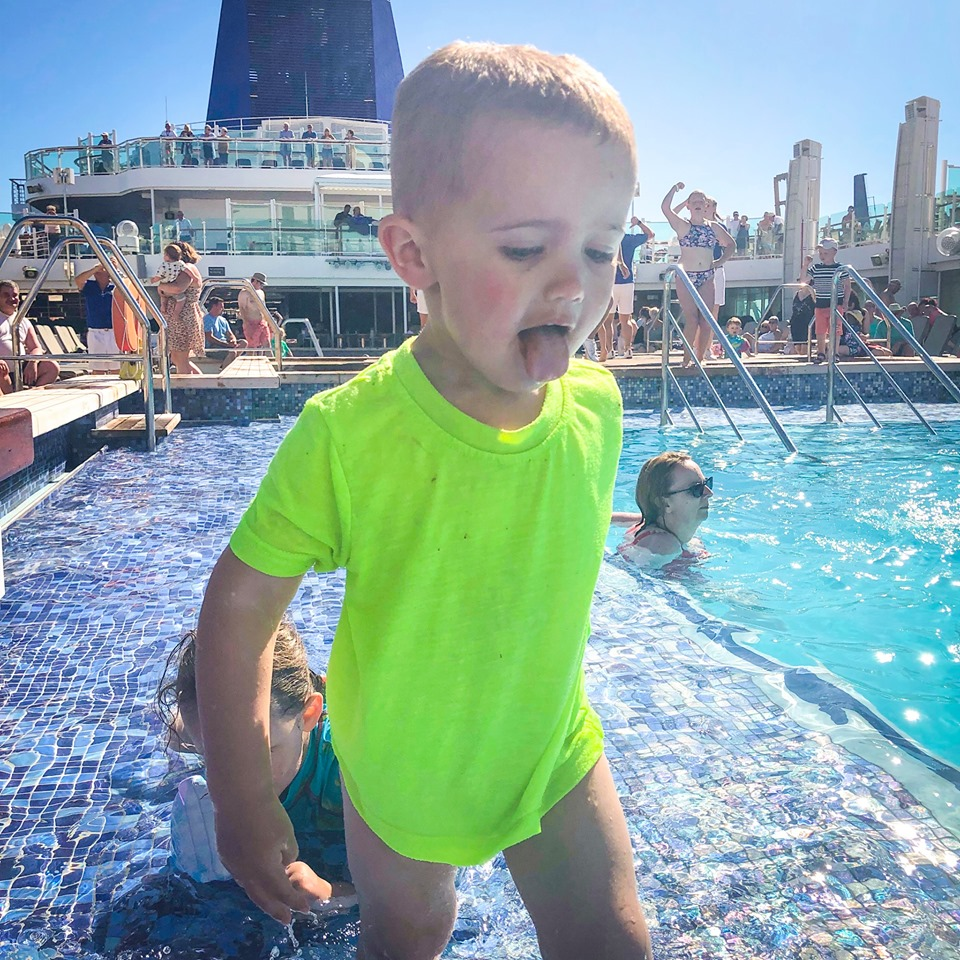 cruise ship pool that allows swimming nappies