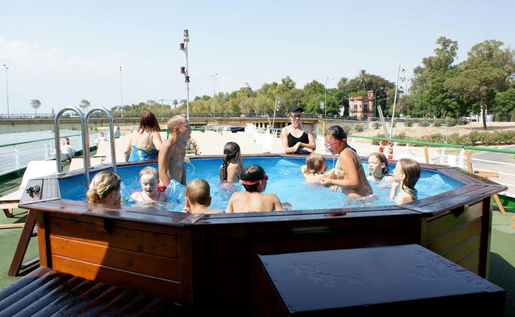 CroisiEurope pool