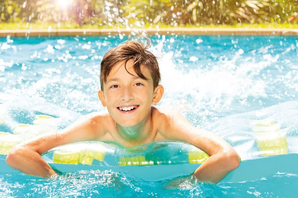 CroisiEurope child in pool