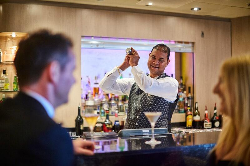 P&O Cruises cocktail waiter