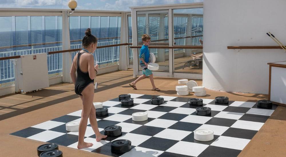 draughts game on a cruise ship