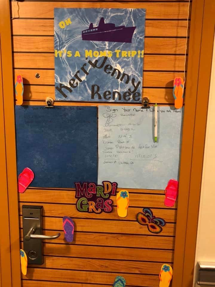 cruise cabin door message board
