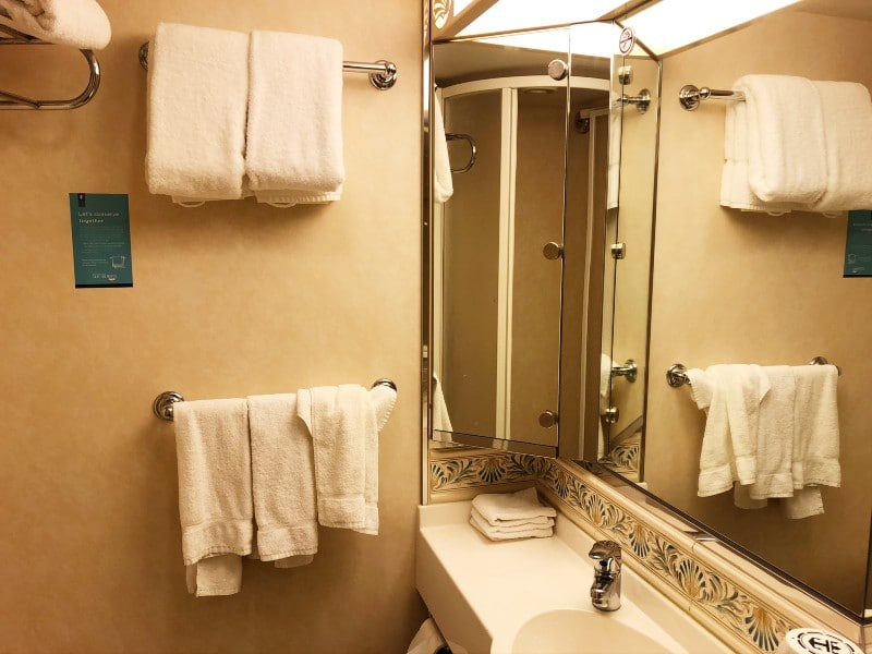 Mariner of the Seas cabin bathroom