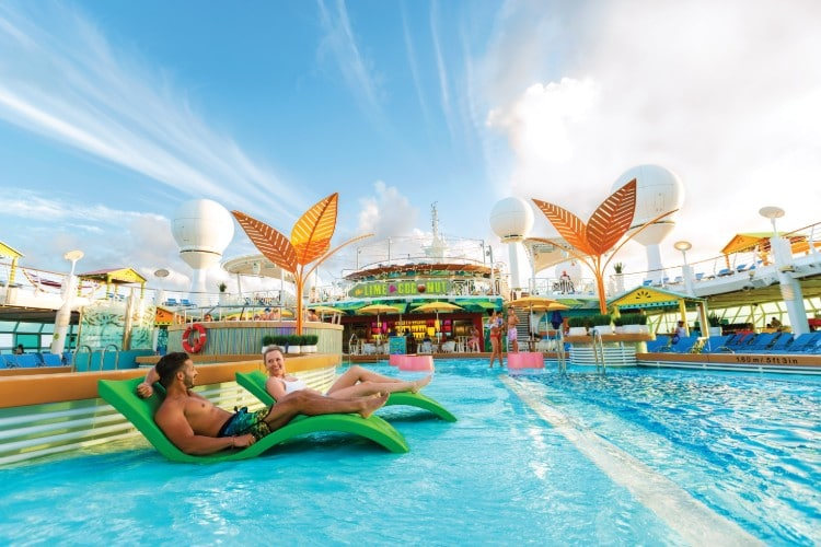 Swimming pool on Navigator of the Seas