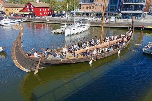 Viking longship with oar on the starboard side